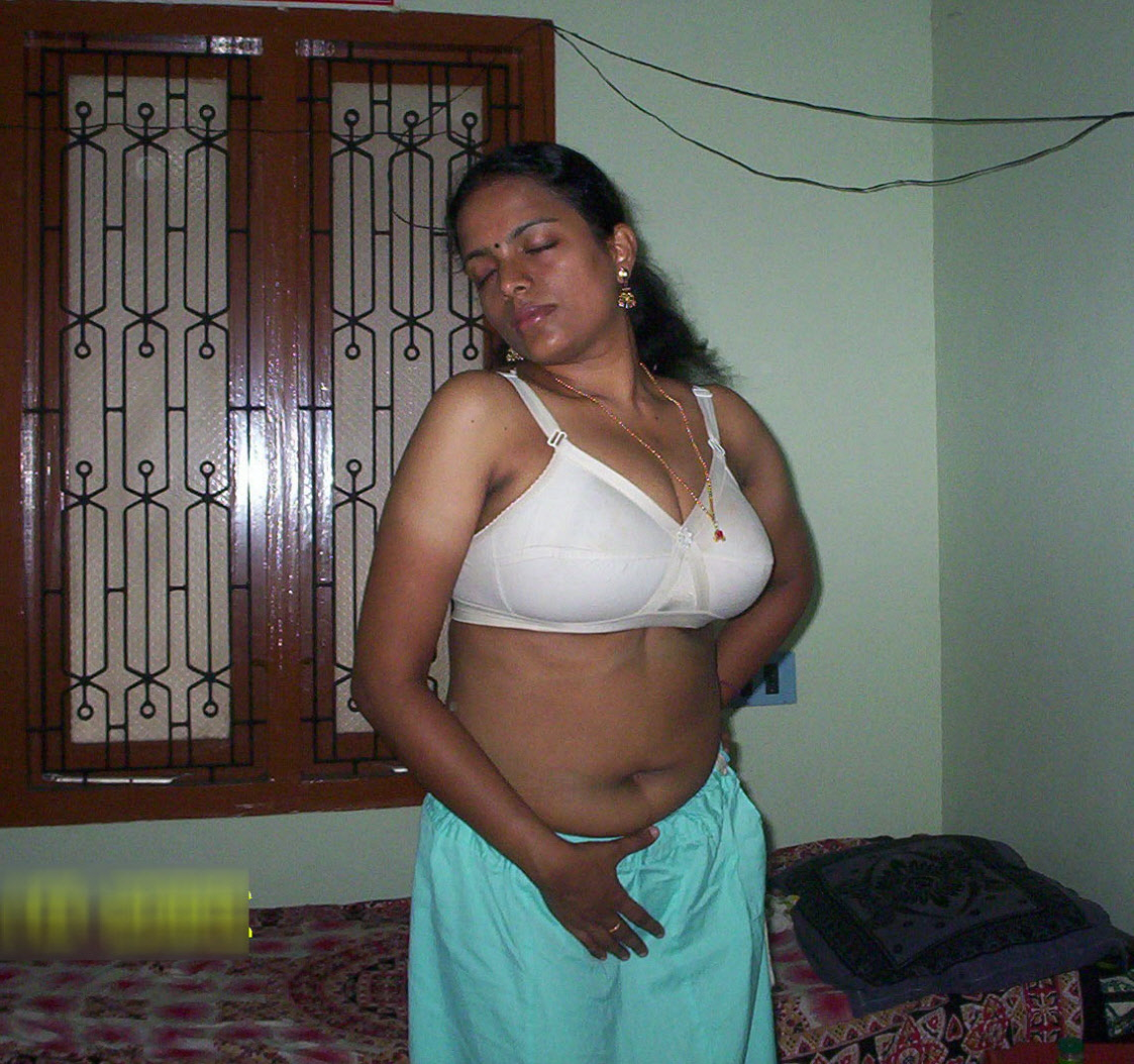 nude cunt horny desi women revealing amateur photos