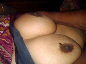 busty desi gal nude boobs