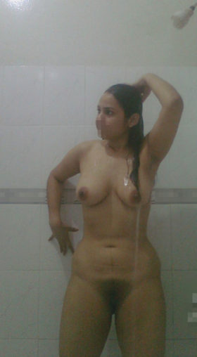 busty indian babe full nude