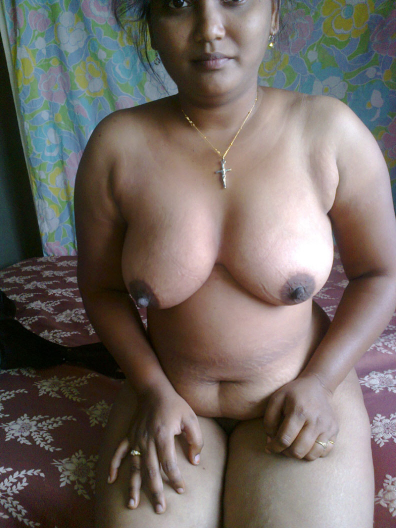 Real indian house wife nude — 9