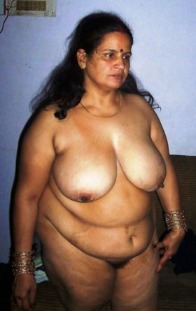 chubby big boobs gal