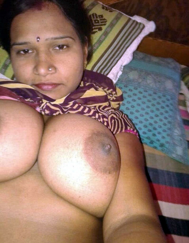 aunty nude all side