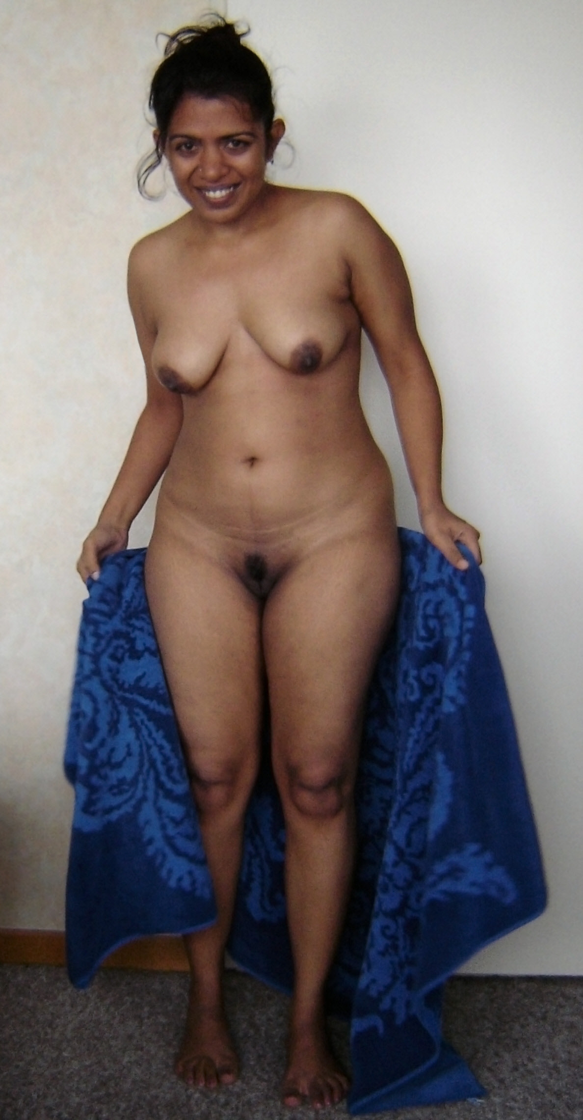 nude hotty indian sister