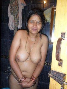 freaky hottie nude boobs
