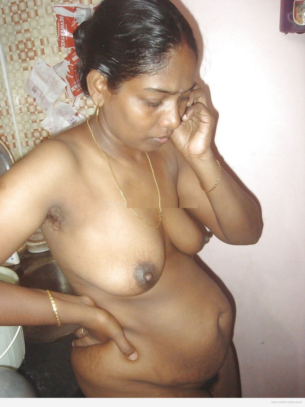 breastfeeding-tamil-aunty-nude-fuckin-in-nude-photos