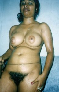hairy pussy nude gal