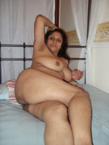 hot babe full nude