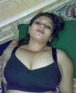 huge boobs hot babe