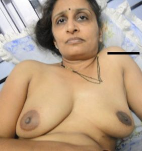 kinky milf nude boobs