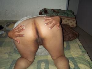 nude bum curvy babe