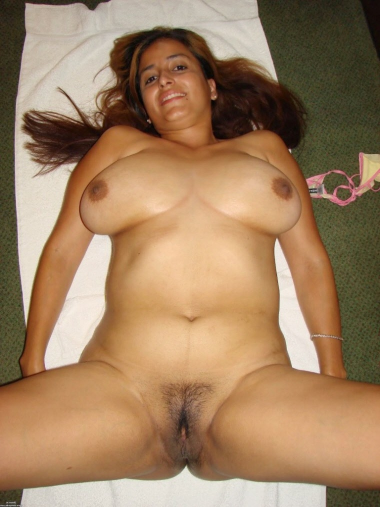 topless photo desi girl at lonely place
