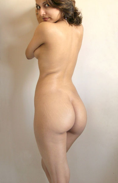 indian girl posing nude