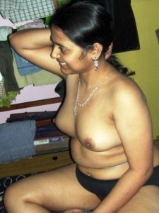 nude tits chubby babe