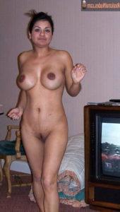 petite big tits nude hottie