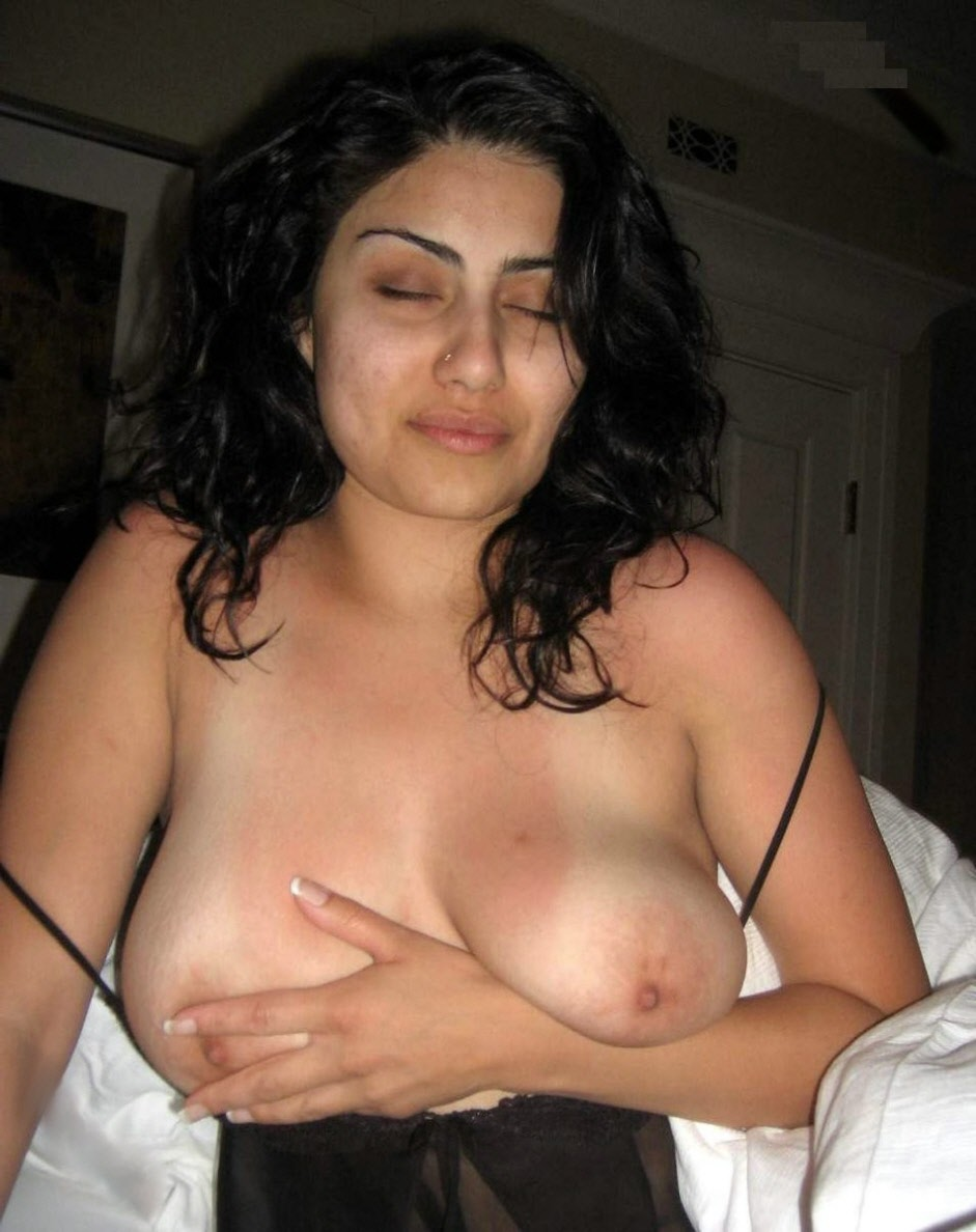 arab-white-women-naked