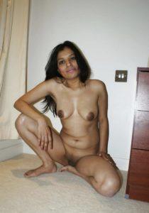 sexy hottie nude boobs