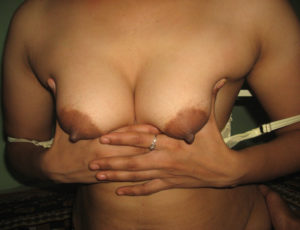 sexy tits nude babe