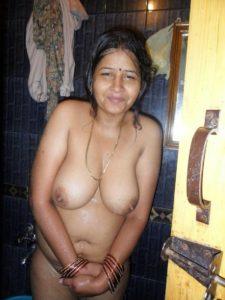 shy babe nude boobs
