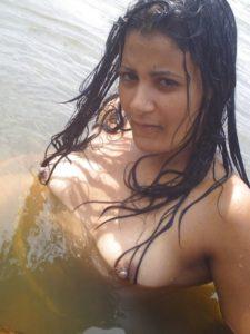 wet hottie nude boobs