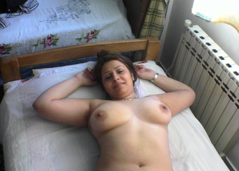 Amateur curvy wife getting fucked 3