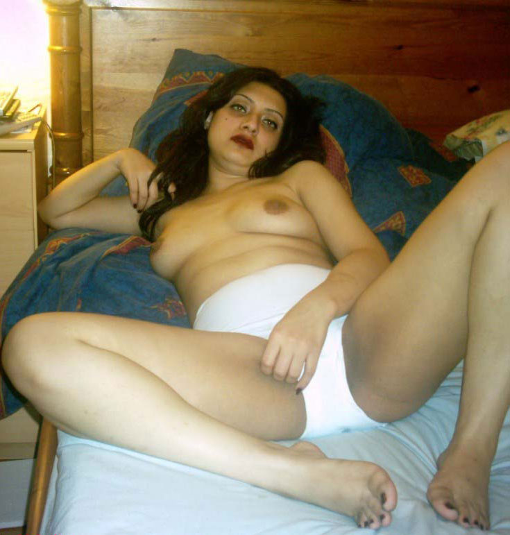 Sexy nude desi boobs