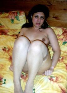 hot babe nude boob