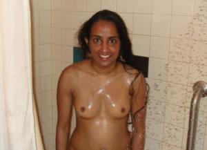 hot babe nude boobs