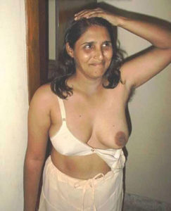 hot indian babe nude tits