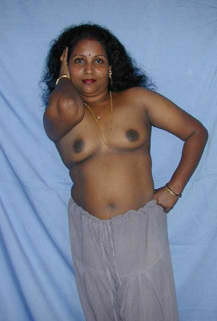 Cute Desi Indian Women Showing Off Their Nude Bodies -2383