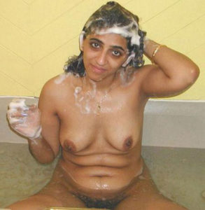 nude bath sexy babe