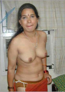 nude tits horny hottie