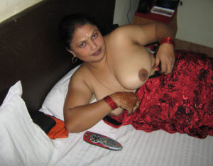pretty big boobs babe