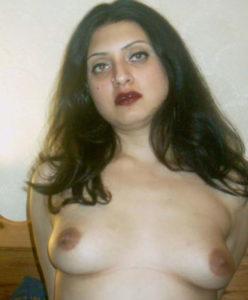 pretty desi babe nude