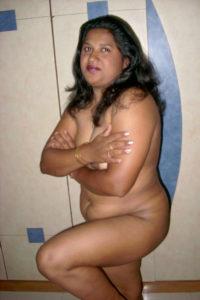 chubby hottie full nude