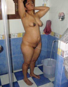 chubby nude babe taking shower