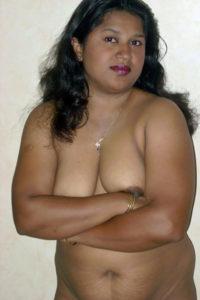 cute hottie full nude