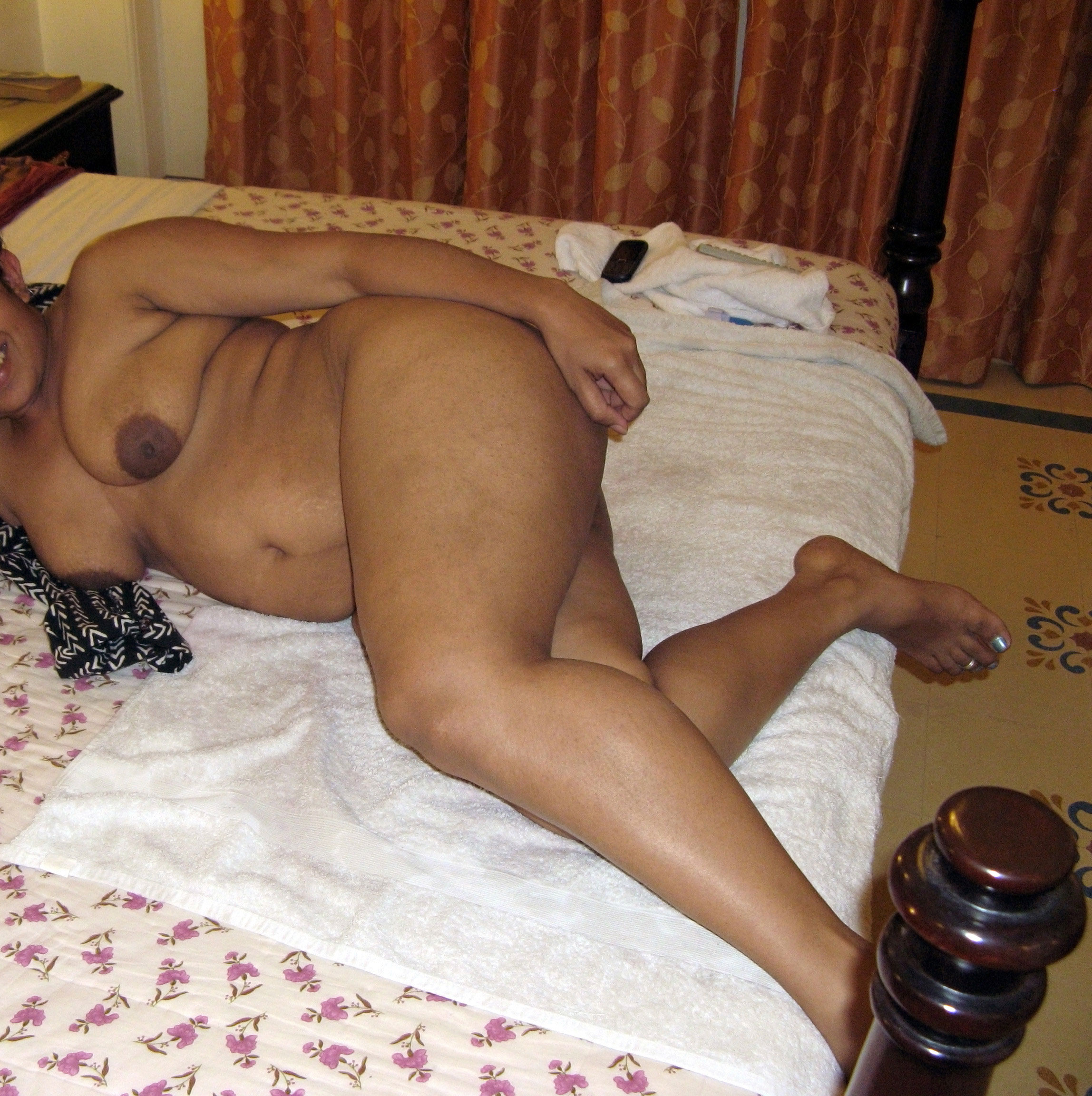 Desi Hot Nude Babes