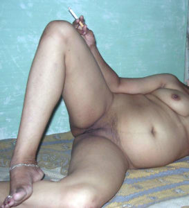 fat desi babe shaved cunt