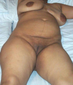 full nude babe shaved cunt