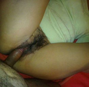 hairy cunt babe having sex