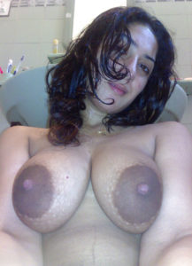 horny hottie big nude boobs