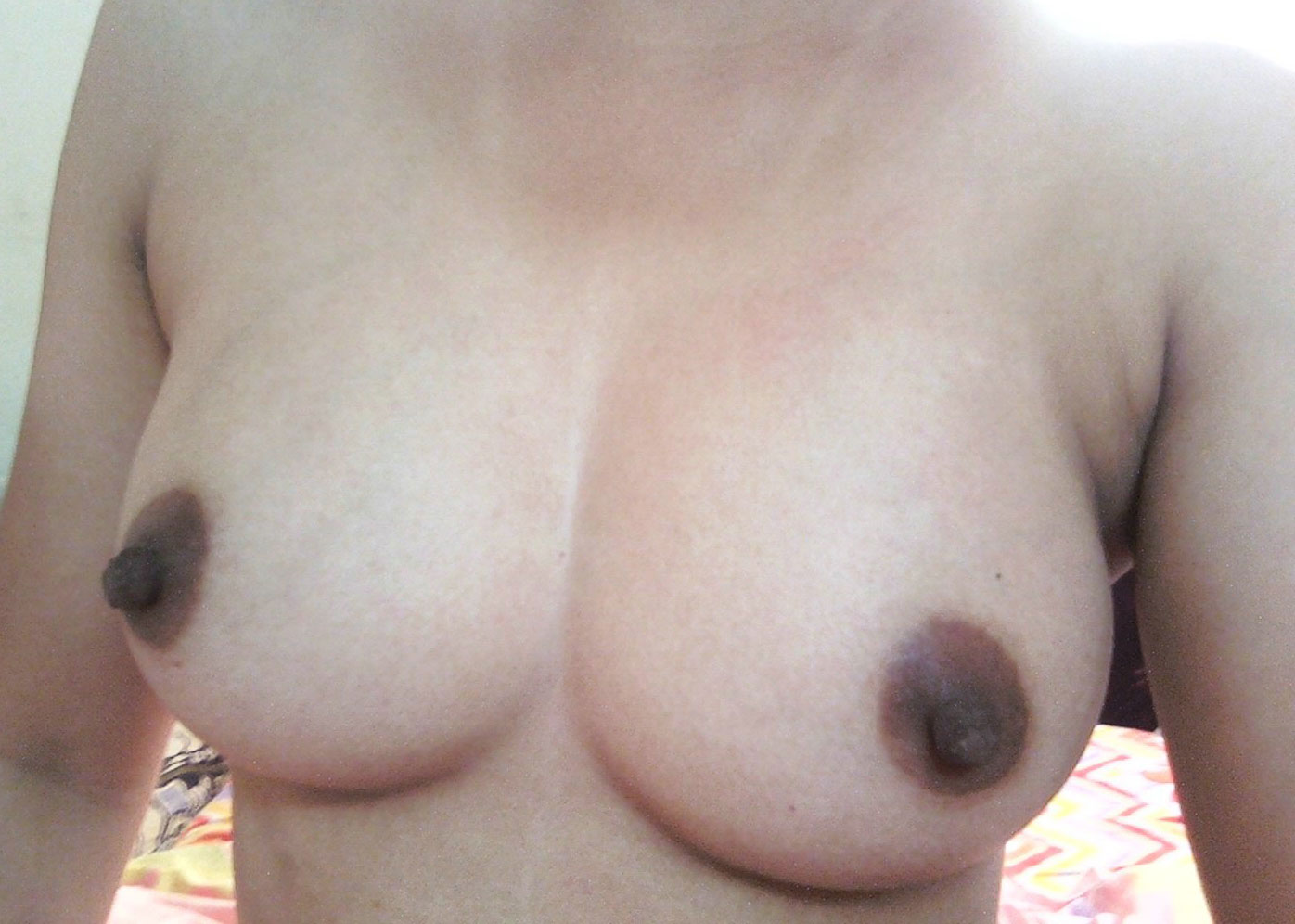 hot babe nude tits