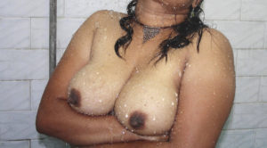 hot desi babe nude tits