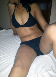 kinky babe sexy boobs