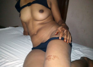 naughty desi babe nude