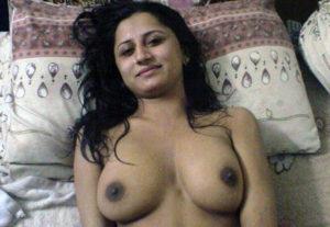 nude boobs pretty babe
