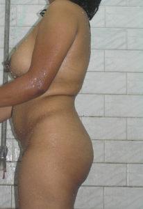 nude bum busty hottie