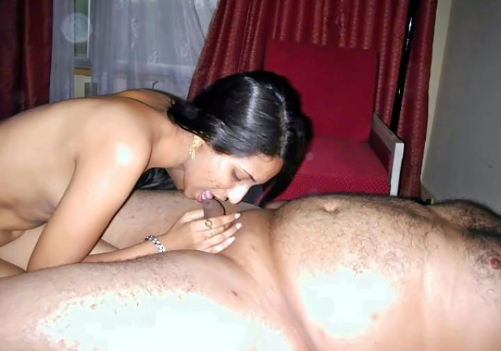 Desi bhabhi sucking dick n taking cum over her mouth 9