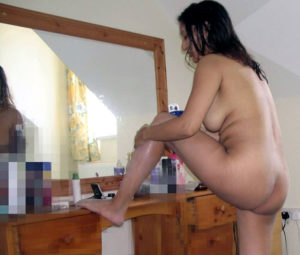 nude indian babe sexy bum