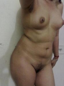 perky boobs horny babe